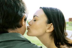 Как влюбить в себя понравившегося мужчину?