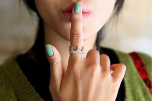 На каком пальце нужно носить кольцо?